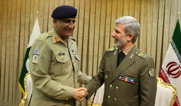Iran, Pakistan vow to broaden defense coop.