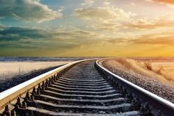 قطار اردبیل؛ فرجام دویدن و نرسیدن ۱۴ نماینده/ وعده اتمام نزدیک است؟