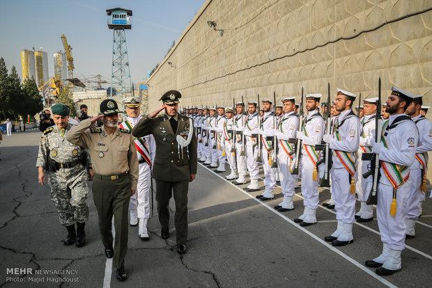 مراسم تکریم و معارفه فرمانده پیشین و جدید نیروی دریایی ارتش