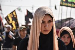 المرأة الحسينية في مسيرة الاربعينية / صور