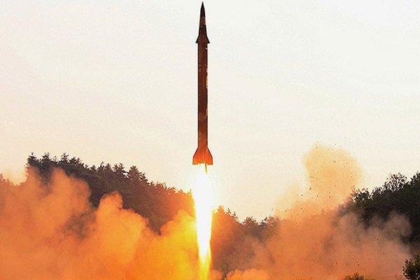 أول فيلم لاطلاق الصاروخ الباليستي اليمني على قصر اليمامة /فيلم