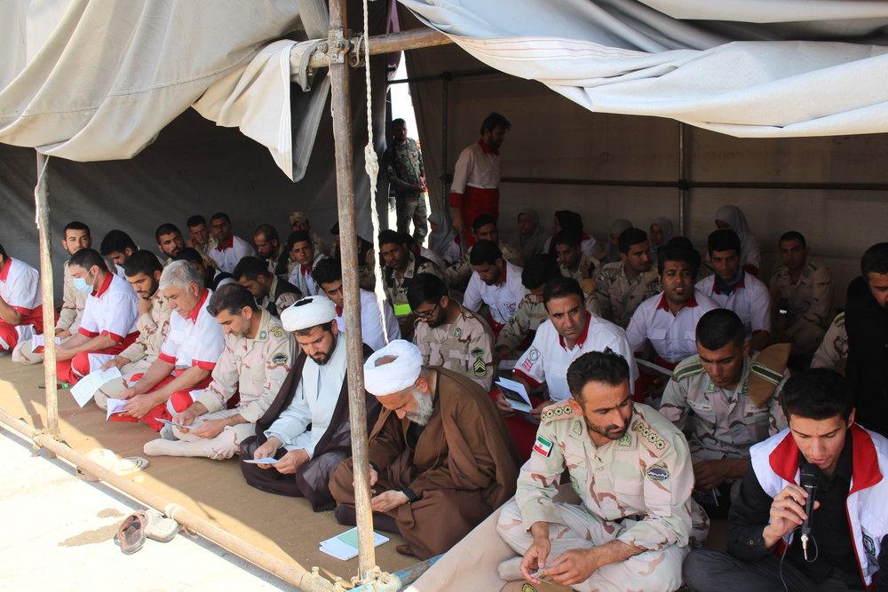 2630912 - عاشقانه های امدادگران هلال احمر در چذابه