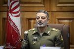 ہم ایران کی دفاعی دیواروں کو مزید اونچا کریں گے/امریکہ دنیا کا ڈاکواور چور ملک ہے
