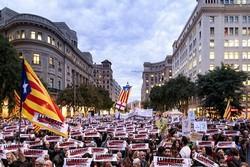 راهپیمایی گسترده جدائیطلبان کاتالونیا یک سال پس از همه پرسی