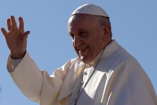 پوپ فرانسس میانمار کا دورہ مکمل کرکے بنگلہ دیش پہنچ گئے