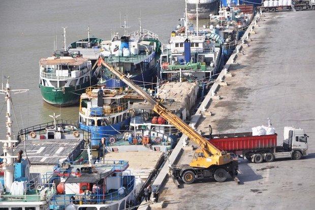 واردات و صادرات کالا در خوزستان برقرار است