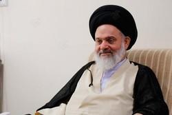 آیتالله حسینی بوشهری در بیمارستان بستری شد