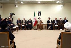 قائد الثورة الاسلامية يستقبل عدداً من مسؤولي البلاد / صور