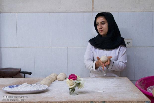 المرئة الخلاقة وصاحبة القرار في إيران