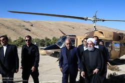 الرئيس روحاني يتفقد المناطق المنكوبة في كرمانشاه /صور