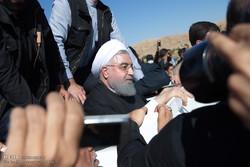 صدر حسن روحانی کا زلزلہ سے متاثرہ علاقوں کا دورہ