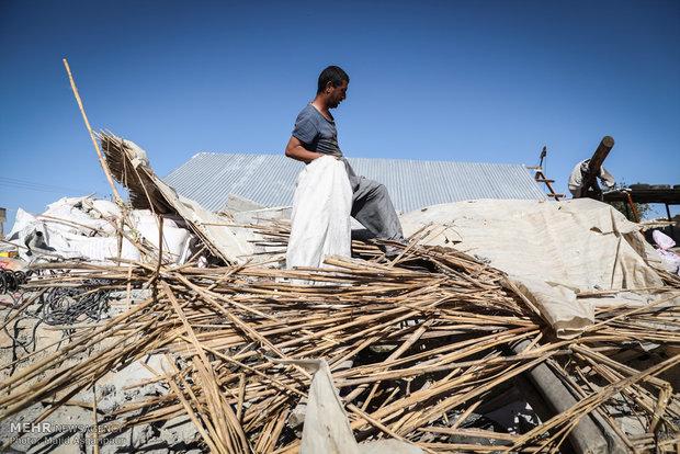 در برنامه تلویزیونی مطرح شد: بازسازی در مناطق زلزلهزده شروع شده است/کمبود دارو نداریم
