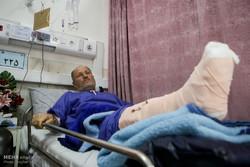 کرمانشاہ میں زلزلہ سے زخمی ہونے والے افراد کا علاج جاری