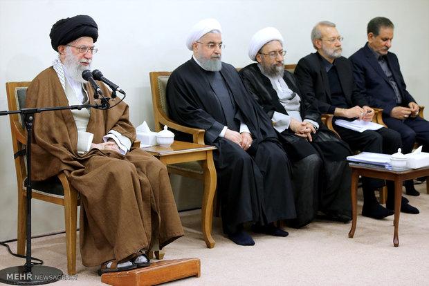 دیدار سران سه قوه و مسئولان نظام با رهبر انقلاب