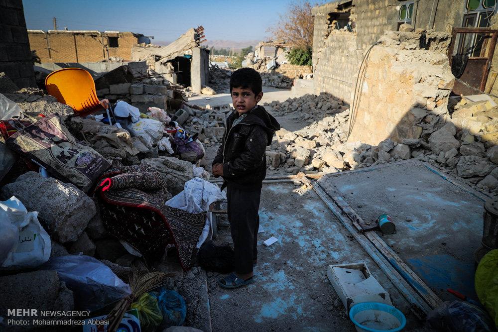 امدادرسانی به کودکان زلزلهزده با قصه/ این بچهها سخت میخندند!