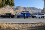Depremzedelere yardım için oluşan insanseverlik trafiği