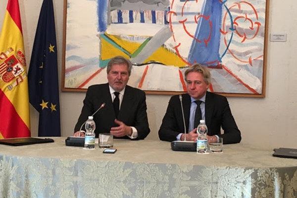 اسپانیا به عنوان مهمان ویژه نمایشگاه بینالمللی کتاب فرانکفورت در سال ۲۰۲۱ معرفی و انتخاب شد.