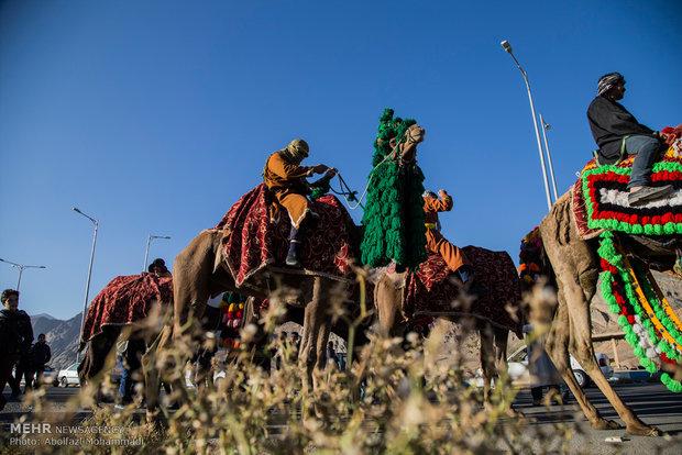 آئین نمادین ورود کاروان امام رضا (ع) به ایران در خرمشهر برگزار شد