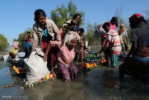 عبور مسلمانان روهینگیا از دریا