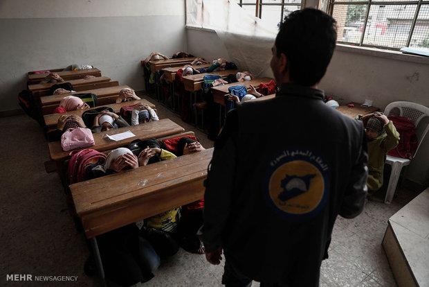 Suriye'deki savaş bölgelerinden okul manzaraları