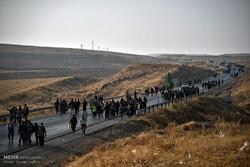 حرکت  ۳۴ هزار زائر پیاده در مسیرهای منتهی به مشهد