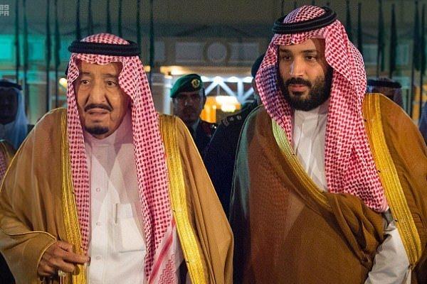 """""""ديلي ميل"""" نقلا عن مصدر سعودي رفيع: الملك سلمان يتخلى عن السلطة لصالح ولي العهد خلال أيام"""