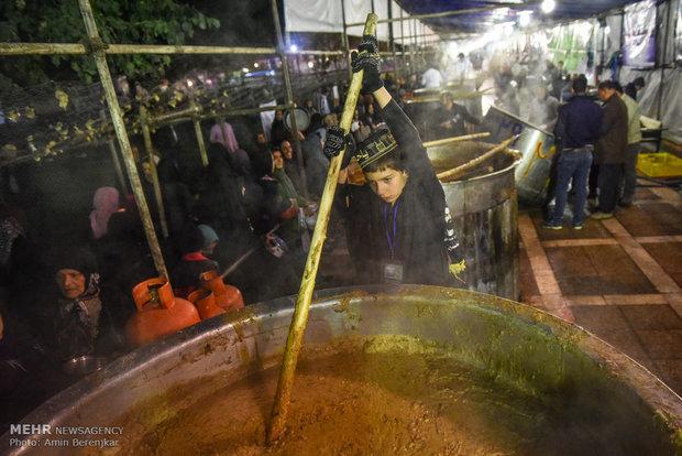 بزرگترین آش نذری جهان ۲۸ صفر در شیراز طبخ می شود