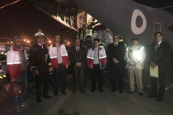 Pakistan'dan İranlı depremzedelere yardım malzemeleri