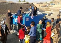 اهدای کمک به زلزله زدگان کرمانشاه