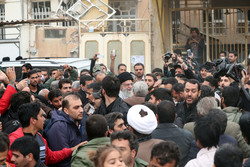 Leader pays a visit to earthquake-stricken areas