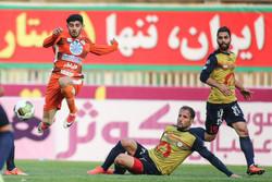 دیدار تیم های فوتبال سایپا و نفت تهران
