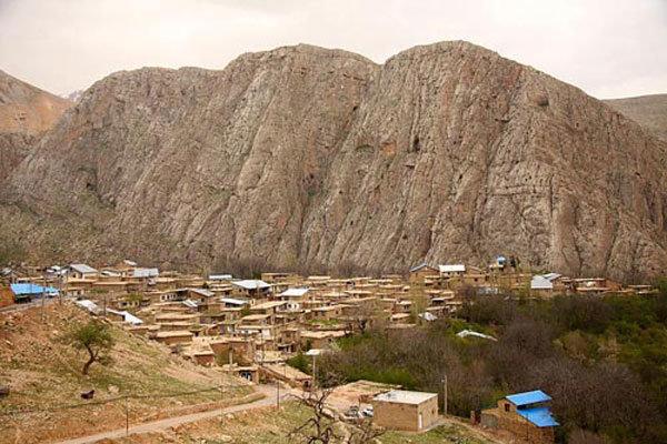 توسعه روستاهای الموت غربی با کمک روستاییان خوش فکر تسریع می شود,