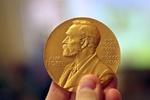 جوایز نوبل ادبیات و اقتصاد اعطا شد