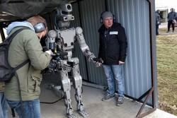 ربات هفت تیر کش روس