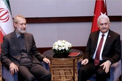Larijani meets Turkish PM Yıldırım