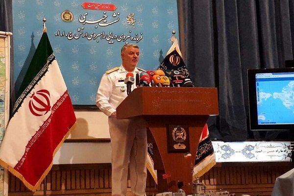 الاميرال خانزادي يعلن اجراء مناورات بحرية الشهر القادم