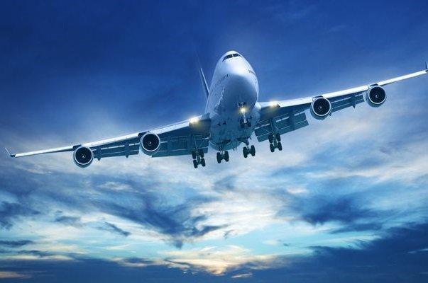 پرواز هواپیما فرودگاه