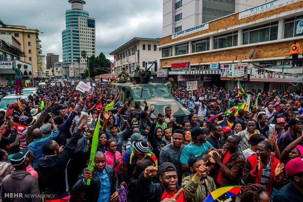 شادی مردم زیمبابوه بعد از استعفای موگابه