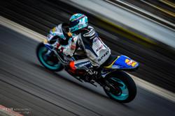 İran'daki hızlı motor yarışlarından kareler