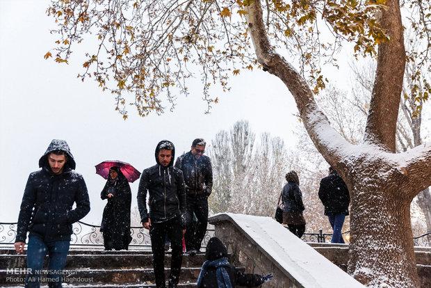 Tebriz'in karlı son baharından manzaralar