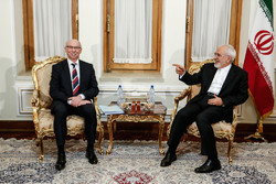 Zarif receives European parl. Lewandowski