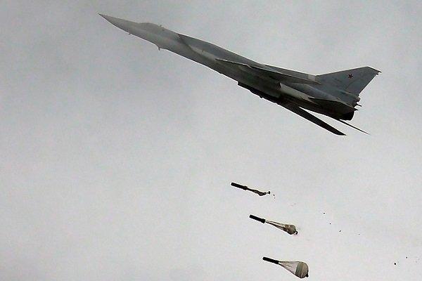 Rus savaş uçakları DEAŞ kamplarını bombaladı