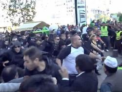 یونان میں انتہا پسندوں کا میلاد النبی (ص) کے جلوس پر حملہ