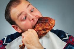 مصرف غذاهای پرکالری در زمان استرس منجر به اضافه وزن زیاد می شود
