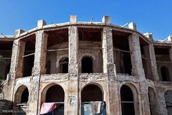 آثار تاریخی بوشهر محل سکونت بی خانمان ها
