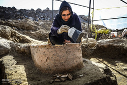 VIDEO: Construction work unearths antiques in Hamedan