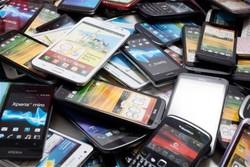 گوشی ۱۵ تا ۲۵ درصد ارزان شد/ بازار در انتظار گوشی های جدید