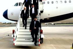Zarif arrives in Tehran