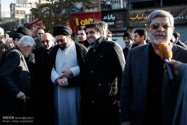 مراسم تشييع الشاعر الايراني حبيب الله جايجيان