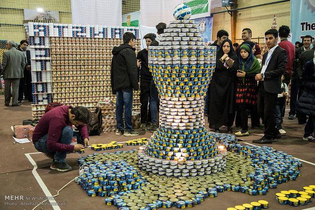 منافسات إنشاء أضخم الهياكل بعلب الصفيح بمدينة يزد